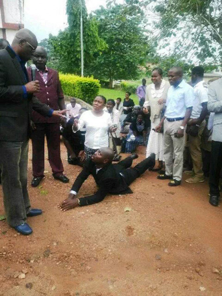 Ekiti civil servants prostrate, kneel down for Governor Fayose after arriving late for work
