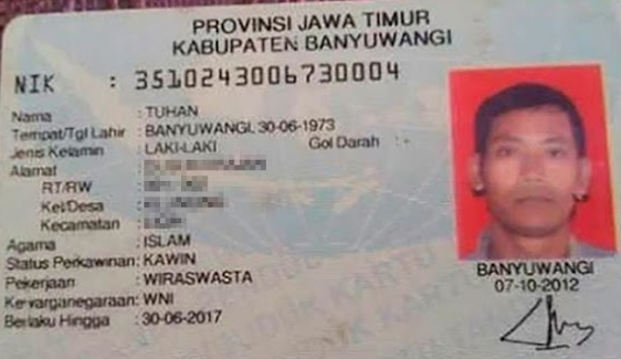 ID card of the Indonesian bearing Tuhan, which means 'God'