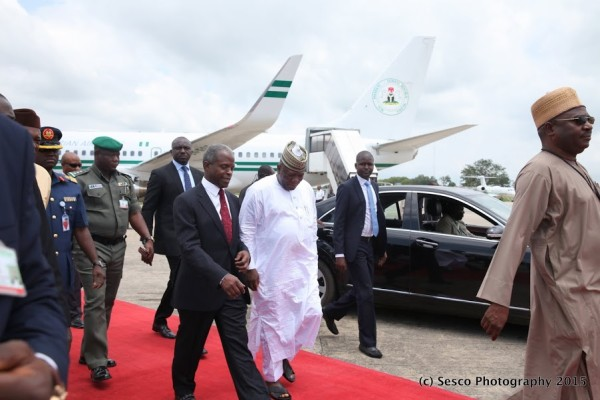 VP Osinbajo and Governor Yari also on way out of airport