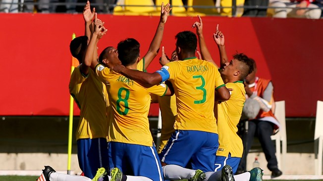 10-man Brazil too much for Guinea