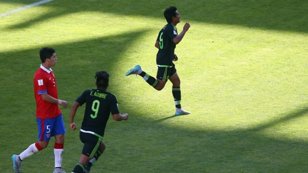 Mexican  players bouncing off with joy after the 4-1 rout of Chile