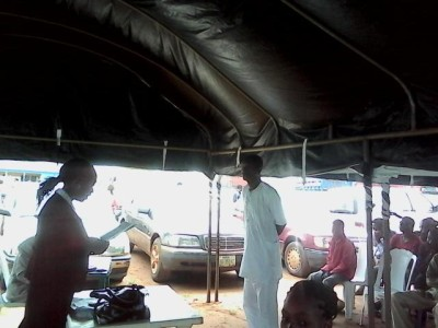 Ayo Okundaye standing trial at the mobile court