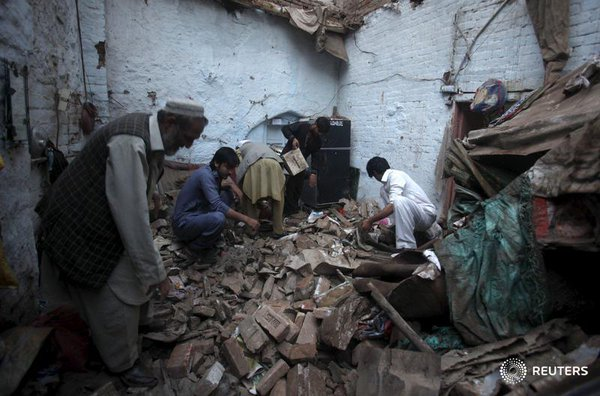 earthquake effect in  Pakistan. Photo: Reuters