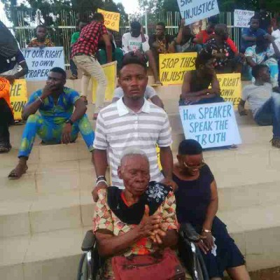 Madam Ololo and the protesters