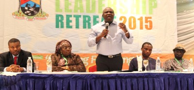 Governor Ambode (middle) at the retreat. With hm are Deputy Governor, Oluranti Adebule (2nd left), Secretary to the State Government, Mr. Tunji Bello (2nd right), Chief of Staff to the Governor, Mr. Olukunle Ojo (right) and C.E.O and President of Laing Consulting and Research Group, Mr. Zhivargo Laing (left).