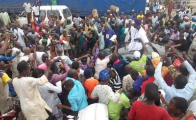The new Ooni is received by the crowd