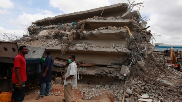 the collapsed Synagogue building