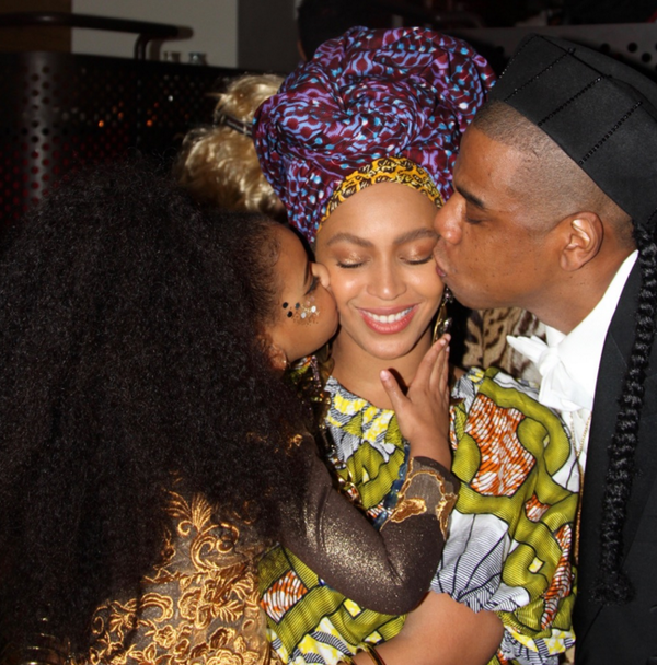 Beyonce: Queen of Hearts, plied with pecks by daughter and husband Jay Z