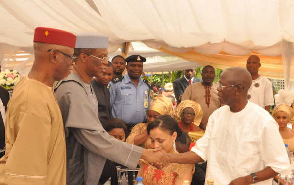 oshiomhole meets Professor Osunbor. Father of the bride, Chief John Odigie Oyegun, first left, looks on