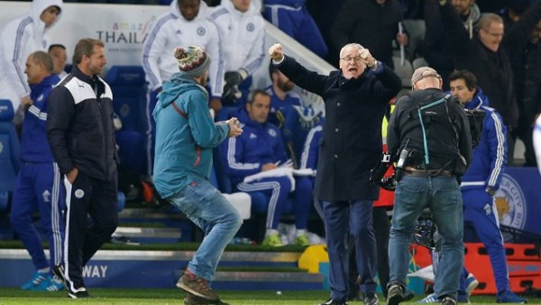 Claudio Ranieri, former Chelsea coach, 2nd right, was just too happy his boys beat Chelsea