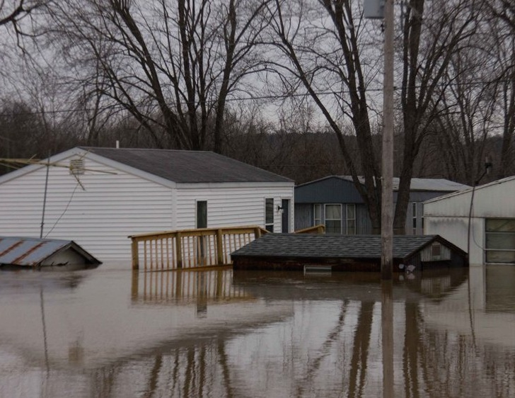 An area flooded by the Bourbeuse River in Missouri