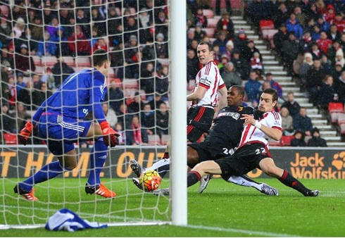 Odion Ighalo, sandwiched by Sunderland players, scores again