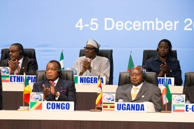 President Buhari (centre of back seat) and other African leaders at the South African forum