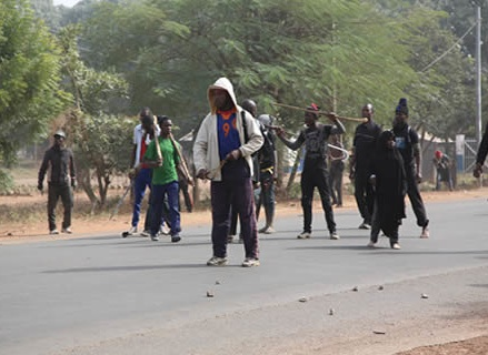 Shiite elements blocking the road