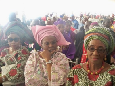 In the middle, Dr Tokunbo Awolowo-Dosunmu