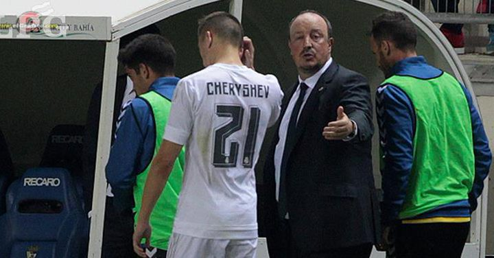 Dumped out of Copa Del Rey: Benitez and Cheryshev at half time of the ill-fated match