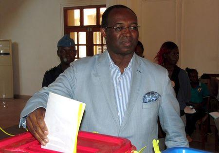 Anicet-Georges Dologuele casts his ballot in Bangui