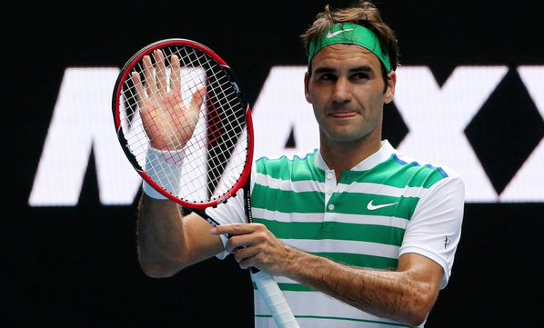 Roger Federer: moves to third round