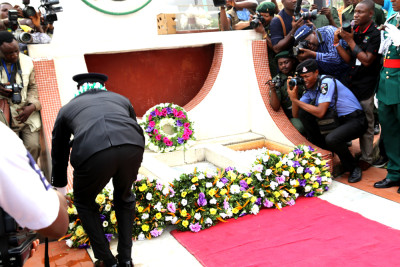 Lagos State Police Commmisioner Owoseni laying the wreath