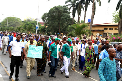 Members of NUPENG, led by their officials, during the protest