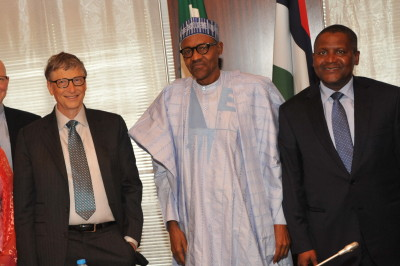 L-R President/CE, Dangote Industries Limited, Mr Aliko Dangote; Co-Chair, Bill and Melinda Gates Foundation,Mr. Bill Gates and His Excellency, President of the Federal Republic of Nigeria, Muhammadu Buhari at the signing of Updated Abuja Commitments on Polio Eradication and Routine Immunization