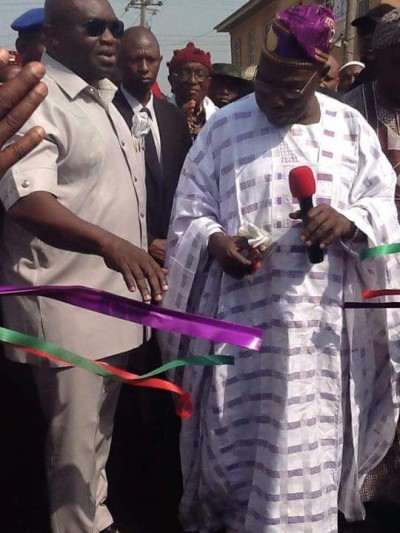 Former President Obasanjo (right) also commissioned some of the projects, while Governor Ikpeazu, left, assisted him