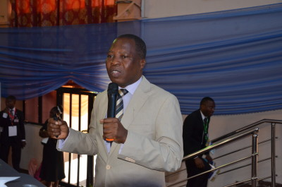 Guest Lecturer, Dr. Omojola Awosusi, delivering his  lecture