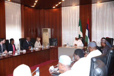 President Muhammadu Buhari (m) meeting with the team of United States Institute of Peace (USIP), led by it's President, Ms Nancy Lindborg, accompanied by Senior Advisor Economic Office, United States Institute of Peace (USIP), Mr Johnnie Carson; Programm Officer, Africa, Center for Middle East and Africa, United States Institute of Peace (USIP), Ms Oge Onubogu, Special Assistant to the President Executive Office, Mr Nick Rogacki left and Ministers during an audience with USIP at the State House in Abuja. Photo: Sunday Aghaeze/State House