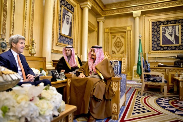 US Secretary of State, John Kerry, left with King Salman, right