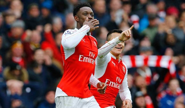 Welbeck and Sanchez after the dramatic injury time goal