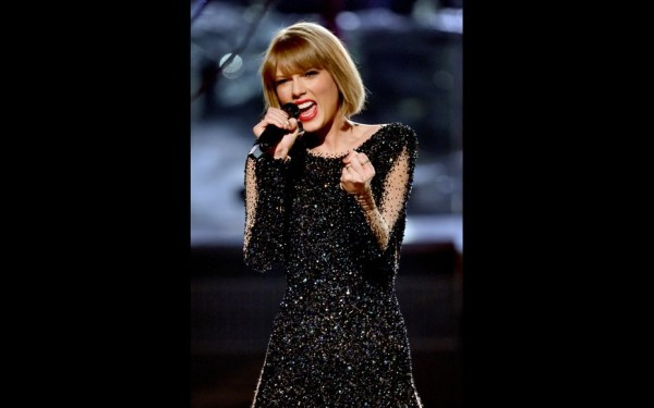 Taylor Swift: Wins Album of The Year