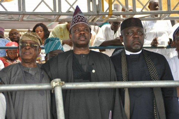 Osoba, Amosun, Okorocha: standing up for the national anthem