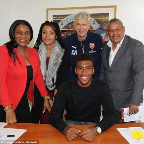 Iwobi signing long term deal with Arsenal in 2015