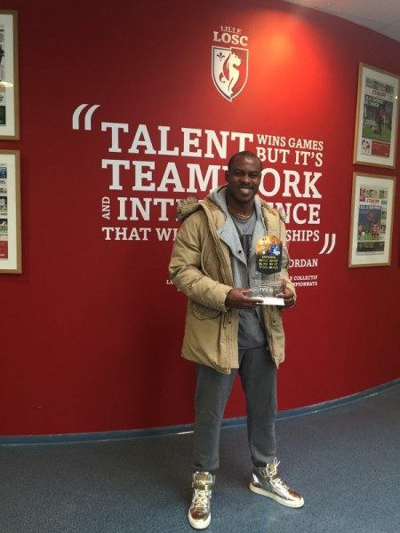 Vincent Enyeama with his FIFA recognition award