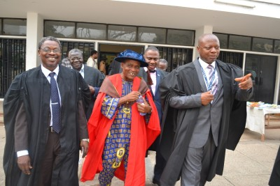 Professor Lekan Oyeleye, in the middle, walking with UI VC,  Professor Abel Idowu Olayinka  right, and  DVC Admin, left