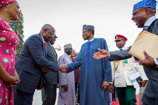 Buhari also meets with Nigerians in China