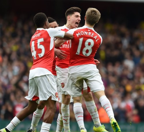 Victor Bellerin rejoice with mates after scoring third goal