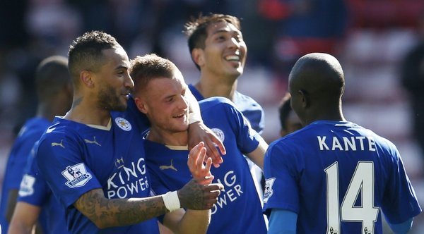 Leicester players celebrate  with Jamie Vardy