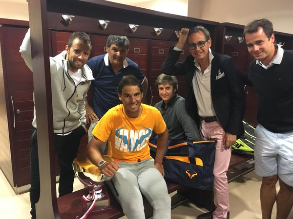 Nadal and his team after the victory over Monfils