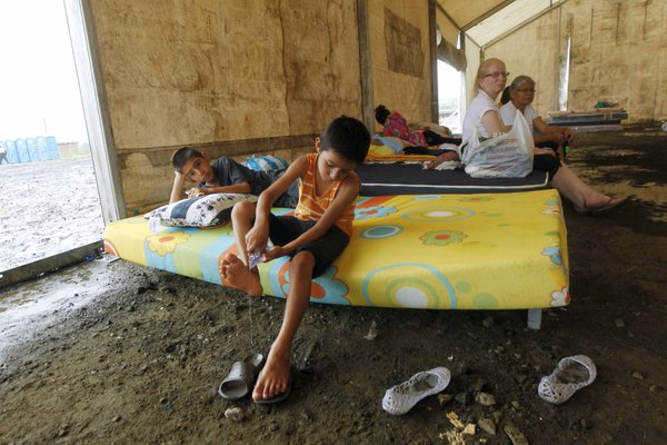 Ecuador: people living in shelter