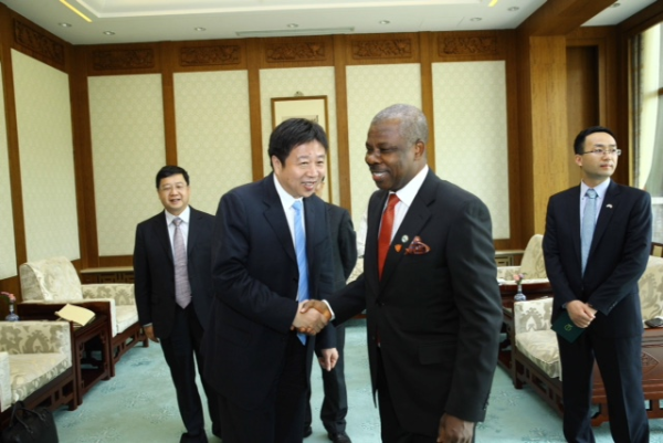 Governor Amosun, second right, and his hosts in China