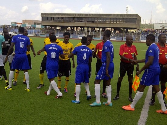 Shooting Stars players greet match officials: Coach Ikhana says they have not been paid for 5 months
