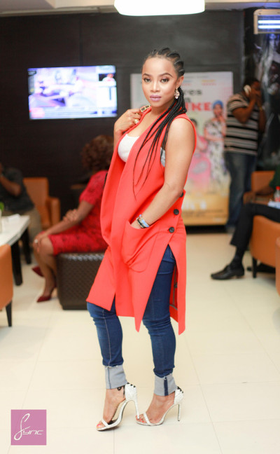 Toke makinwa in a delectable pose