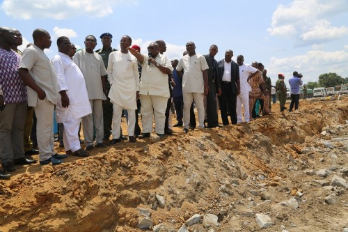 Okowa at the escavated part of the road