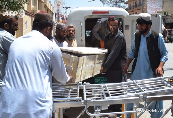 Coffin brought to morgue in Pakistan. AFP Photo