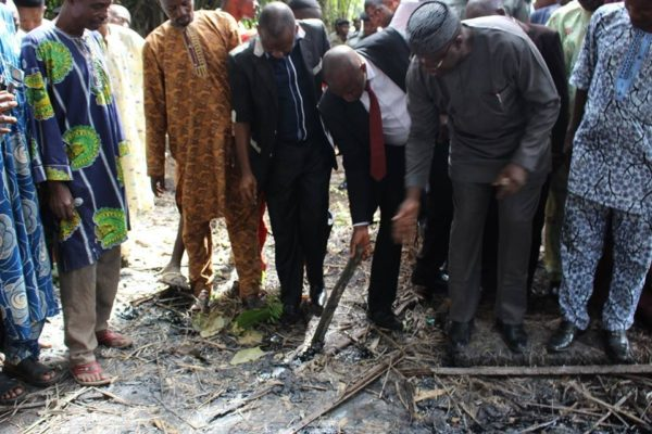 Fayemi and others at the bitumen site, Agbabu