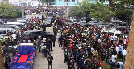 The crowd in Kinshasa for Papa Wemba