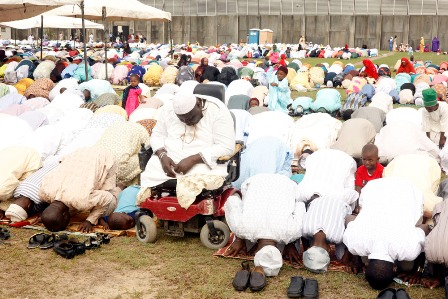 Muslims faithful offers prayers to God to mark the 2016 Eid-el-Fitri celebration in Lagos state.