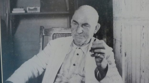Angel, Castro's father