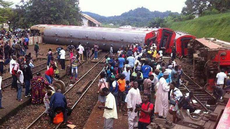 The derailed Cameroonian train